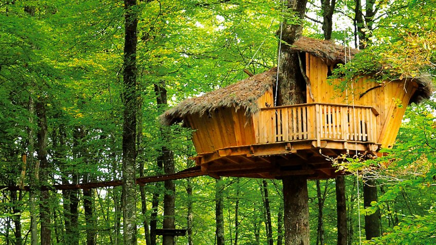 Secluded Treehouse in Guyonvelle, France