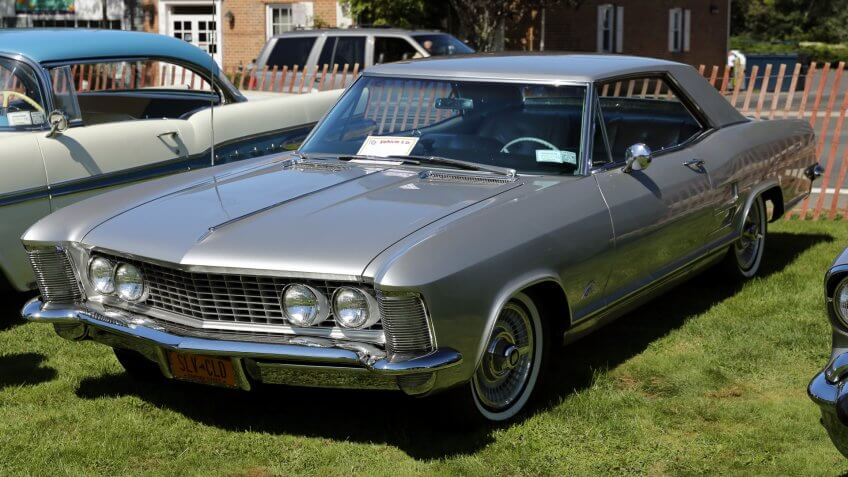 1963 Buick Riviera luxury car