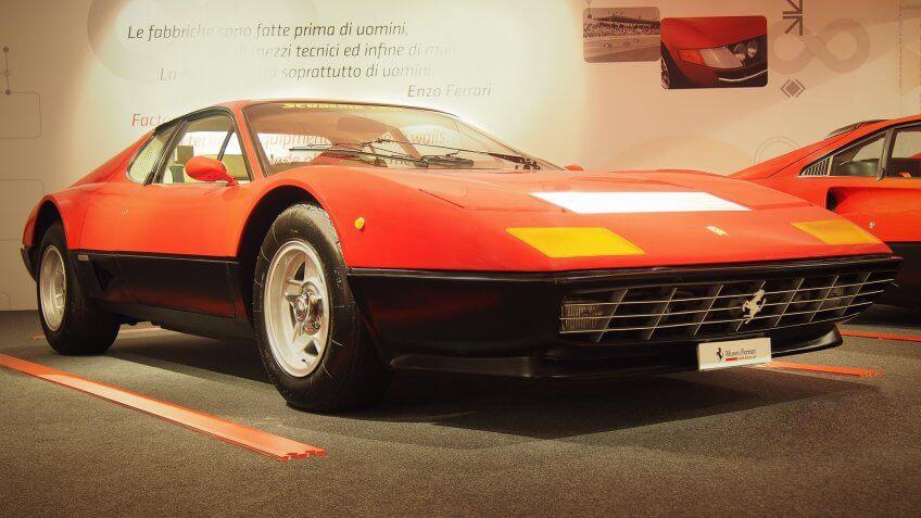 1976 Ferrari 512 BB luxury car