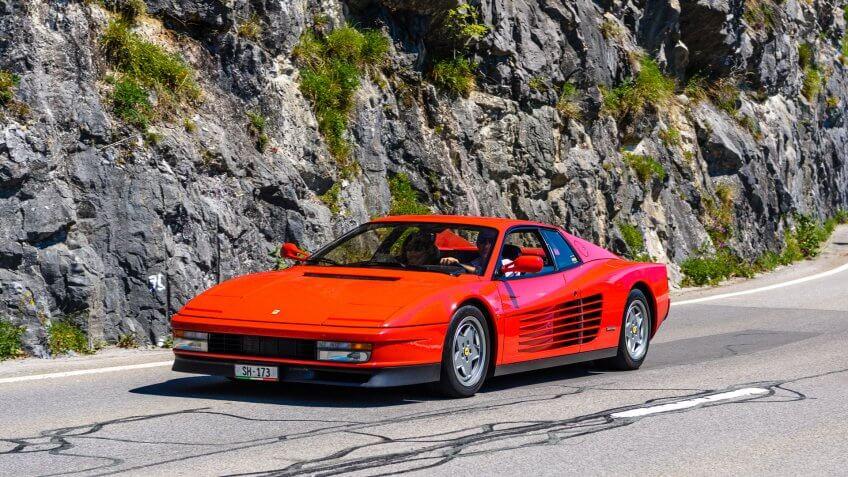1984 Ferrari Testarossa luxury car