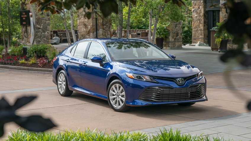 2019 Toyota Camry LE best car