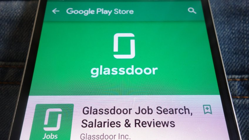 Glassdoor application on mobile phone