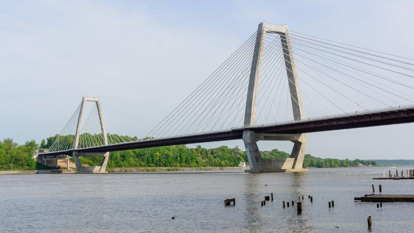 Lewis and Clark bridge in Prospect Kentucky