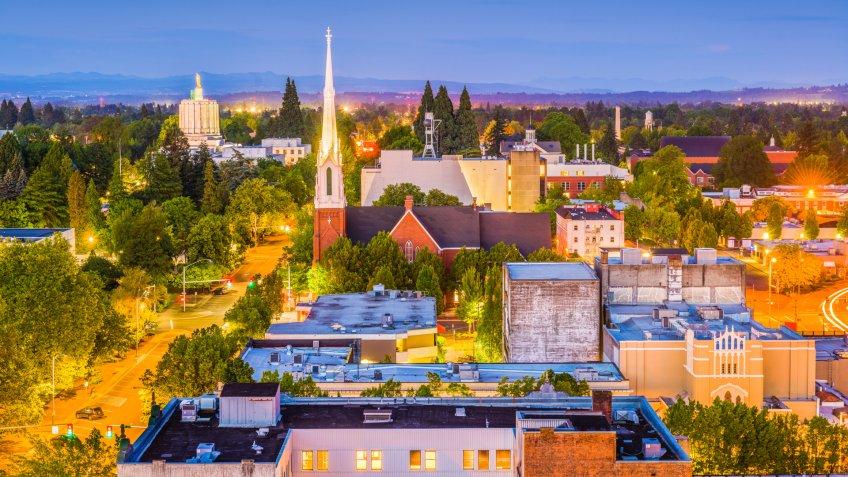 Salem Oregon evening skyline