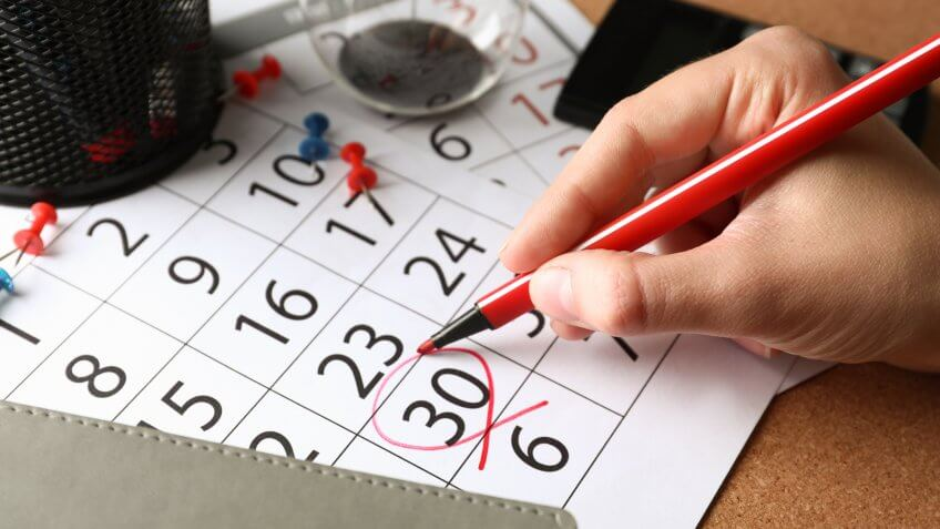 marking calendar with date to quit job