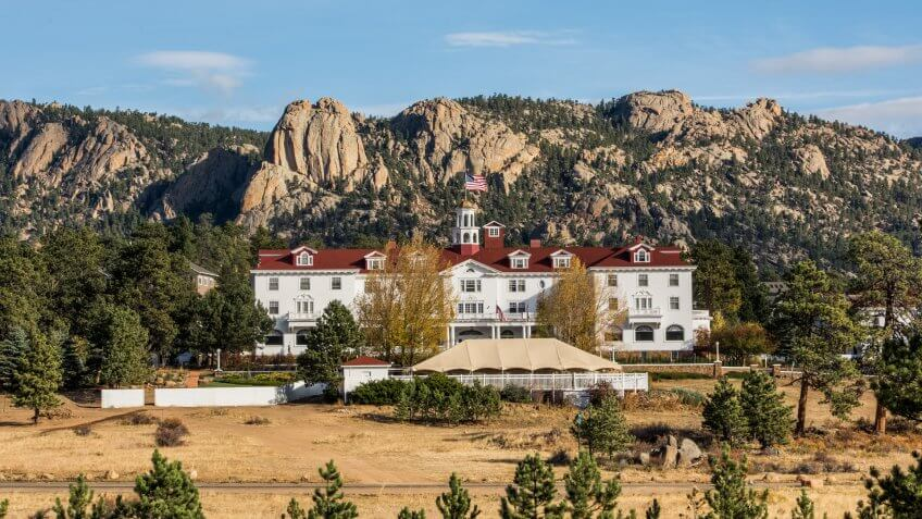 ESTES PARK, COLORADO/USA â?? OCTOBER 18 2015: The historic Stanley Hotel is at the gateway to Rocky Mountain National Park.