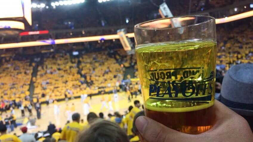 Oracle Arena Golden State Warriors stadium food