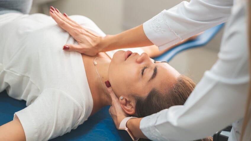 Chiropractic Adjustment, Massage Therapist, Massaging, Shoulder, Recovery.