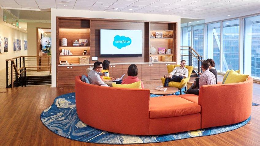 Salesforce Tower Social Lounge