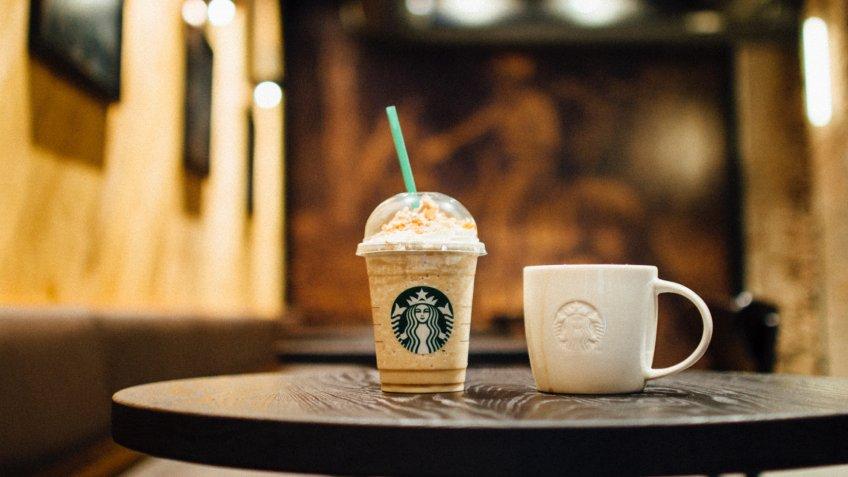 Starbucks frapp and mug