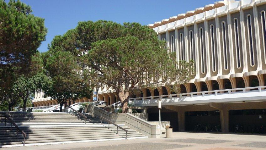 University of California Irvine Langson Library