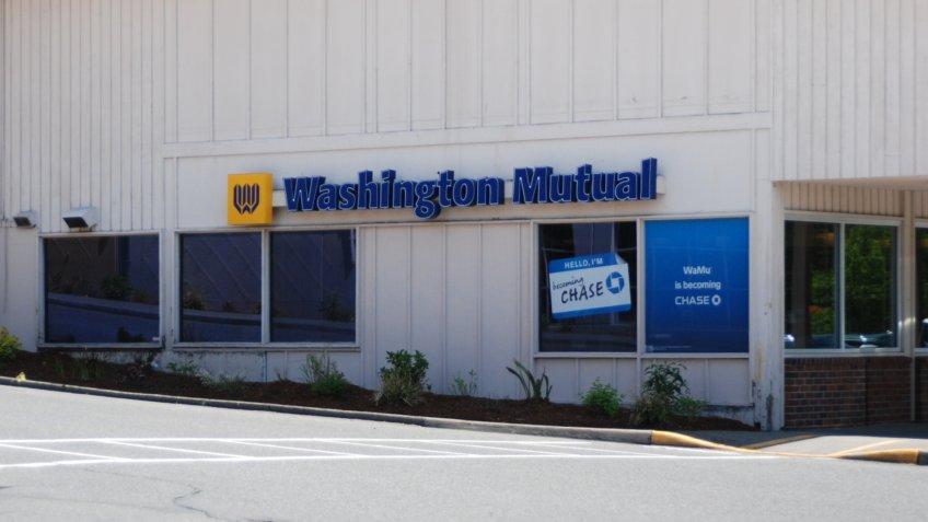 Washington Mutual bank becoming Chase