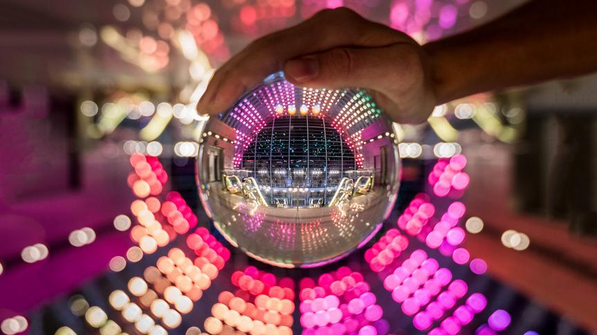 crystal ball reflection, symmetry, colorful, color.