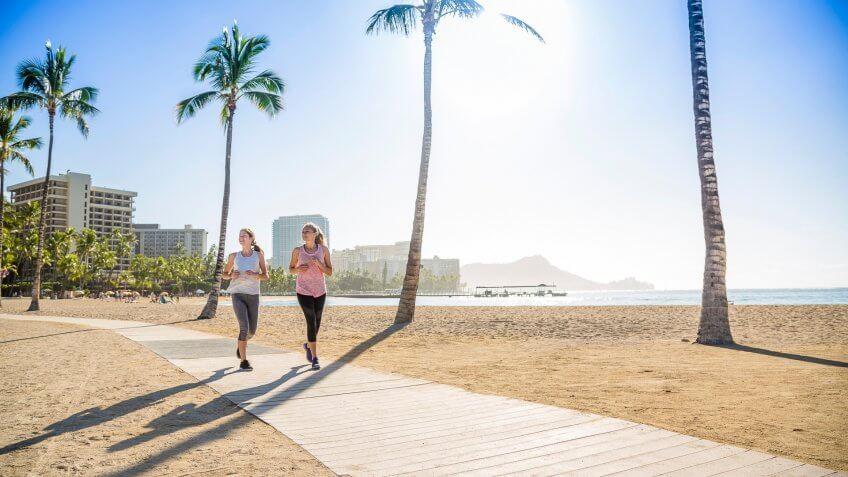 women jogging in Honolulu Hawaii