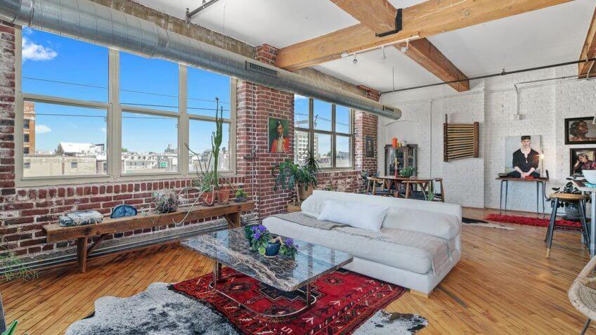 Loft for Living Large in Philadelphia