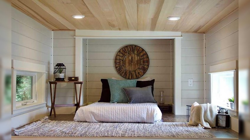 Modern Mountain House in Portland, Oregon living room