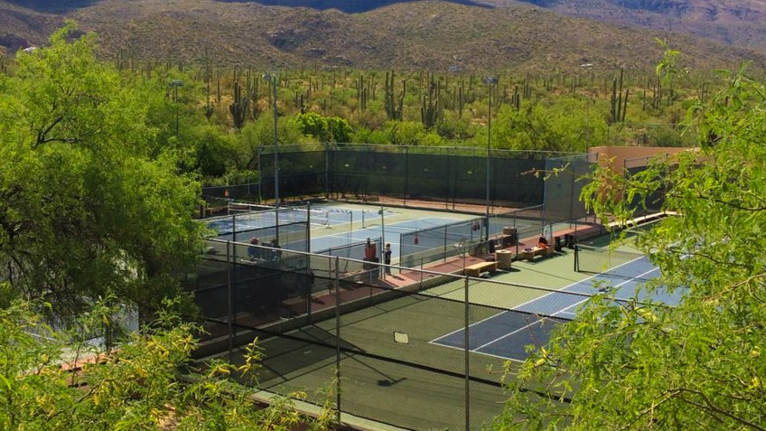 Tanque Verde Guest Ranch tennis courts