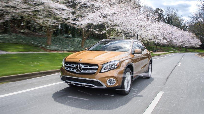 2018 Mercedes-Benz GLA250 4MATIC (should populate both GLA250 and GLA250 4MATIC categories).