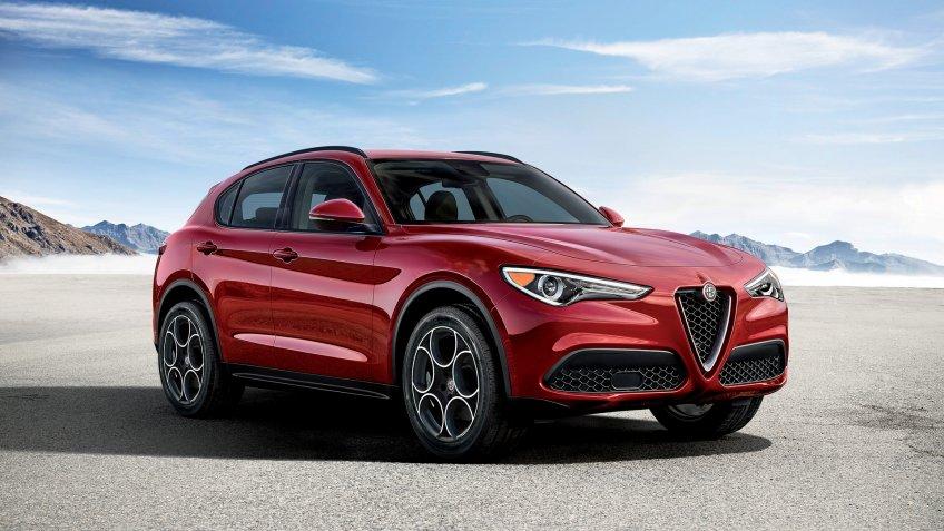 2019 Alfa Romeo Stelvio Sport.