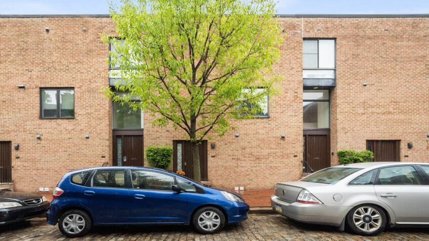 Condo Packed With Comforts in Philadelphia