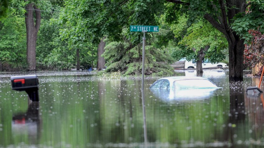 Mandatory Credit: Photo by Steve Pope/EPA/Shutterstock (7589716ah)Standing Water Fills Back Yards Near the Swollen Winnebago River in Mason City Iowa Usa 09 June 2008 the Midwest Has Been Ravaged by Wind Rain Hail and Tornadoes with Extensive Damage and Widespread Flooding Mason City a Town of Roughly 25 000 is Without Water Since the Water Treatment Plant Was Inundated with Water June 8Usa Midwest Storms - Jun 2008.