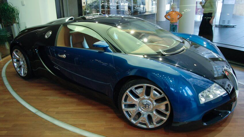 SEPTEMBER 2005 - BERLIN: the fastest serial car of the world: the Bugatti Veyron.