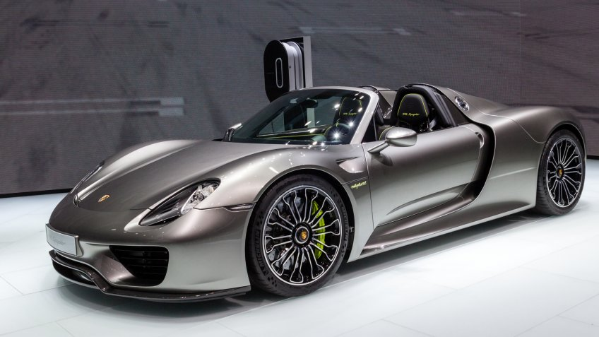 FRANKFURT, GERMANY - SEP 13, 2013: Porsche 918 Spyder sports car showcased at the Frankfurt IAA Motor Show.