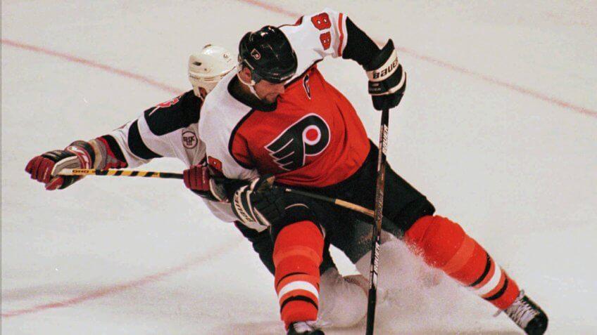 Eric Lindros Philadelphia Flyers highest paid athlete