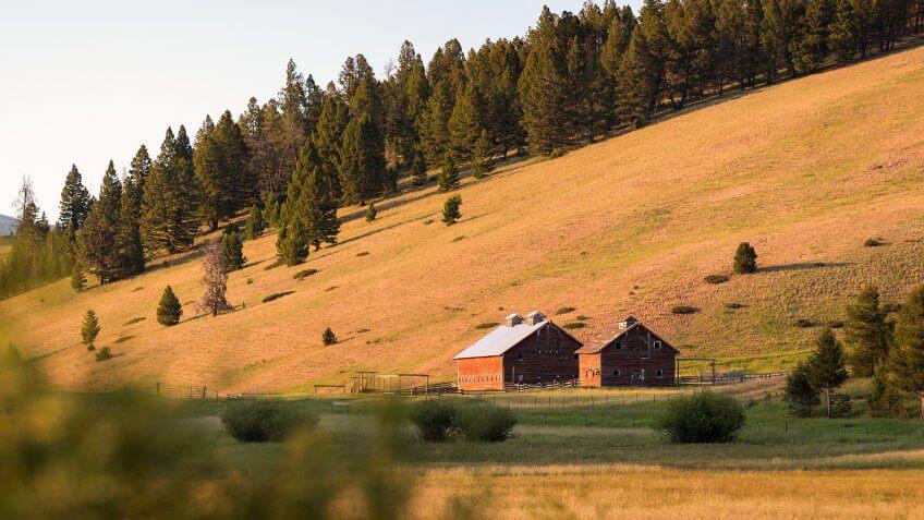 Barn near Helena Montana - Image.