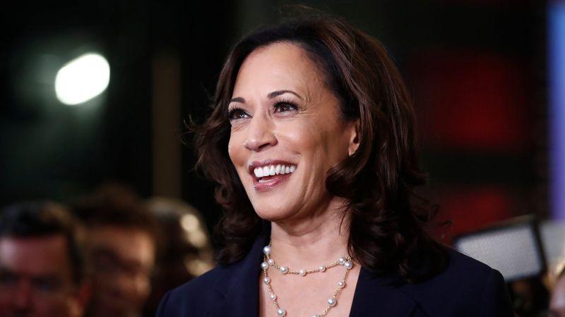 Mandatory Credit: Photo by Brynn Anderson/AP/Shutterstock (10323369ak)Democratic presidential candidate Sen.