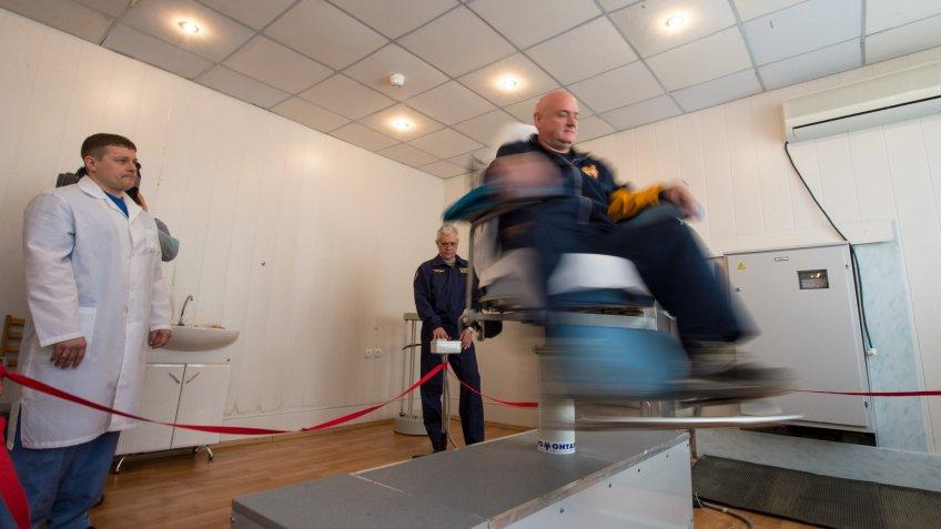 astronaut Scott Kelly taking NASA spin test