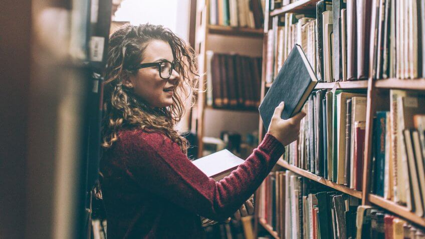 Young woman in library.