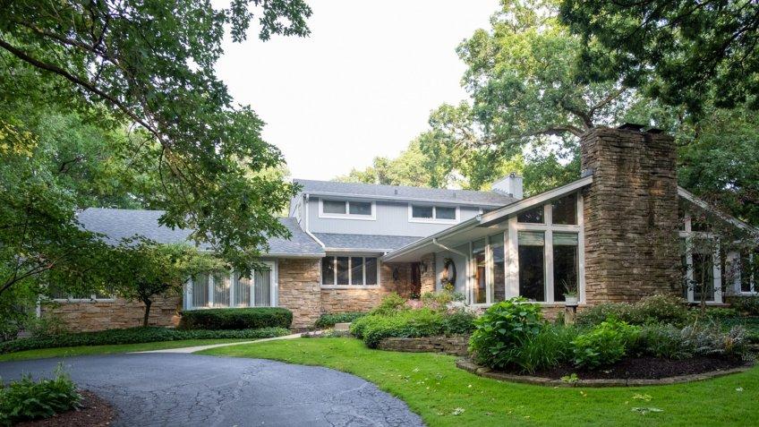 Rockford Illinois mansion.