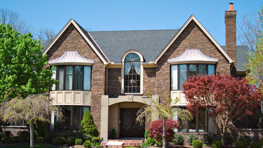 Beautiful brick home in inclusive area of Ohio.