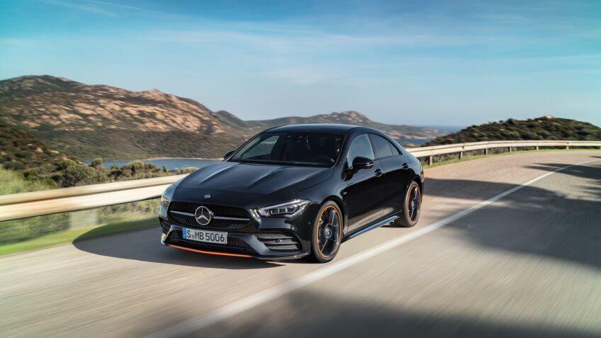 Mercedes-Benz CLA, Edition Orange Art, AMG Line, kosmosschwarz // Mercedes-Benz CLA, Edition Orange Art, AMG Line, cosmos black.