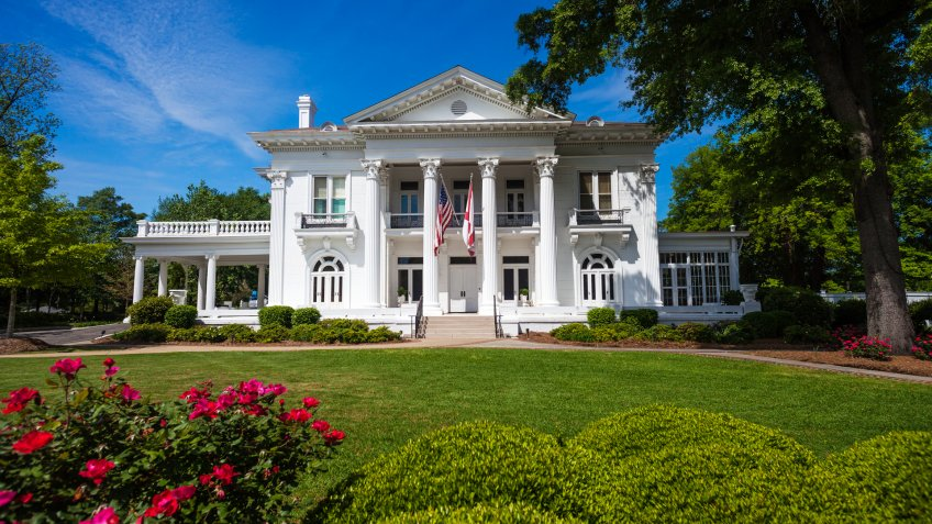 The Alabama Governor's Mansion in downtown Montgomery, Alabama.