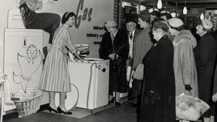 washing machine demonstration in 1959