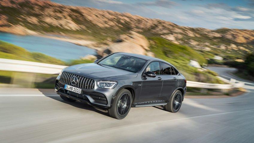 Mercedes-AMG GLC 43 4MATIC Coupé (2019);Kraftstoffverbrauch kombiniert: 10,5-10,2 l/100 km; CO2-Emissionen kombiniert: 240-232 g/km*Mercedes-AMG GLC 43 4MATIC Coupé (2019);Fuel consumption combined: 10.