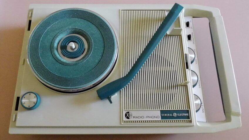 Vintage General Electric Portable Radio-Phonograph