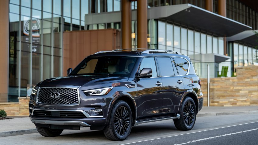 The 2019 INFINITI QX80 introduces a modern interpretation of upscale luxury, pairing a high quality, hand-crafted interior with refined driving dynamics.