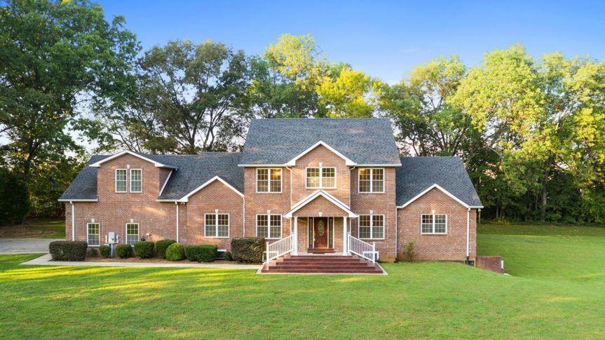 Clarksville Tennessee mansion.