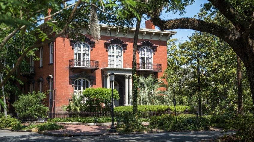 Historic district in Savannah, Georgia - Image.