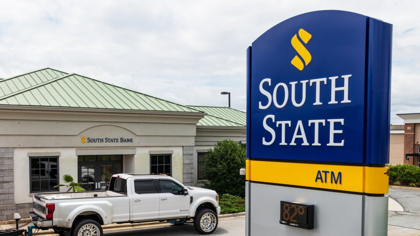 MOORESVILLE, NC, USA-JUNE 19, 2019: South State branch bank, with dominant roadside sign.