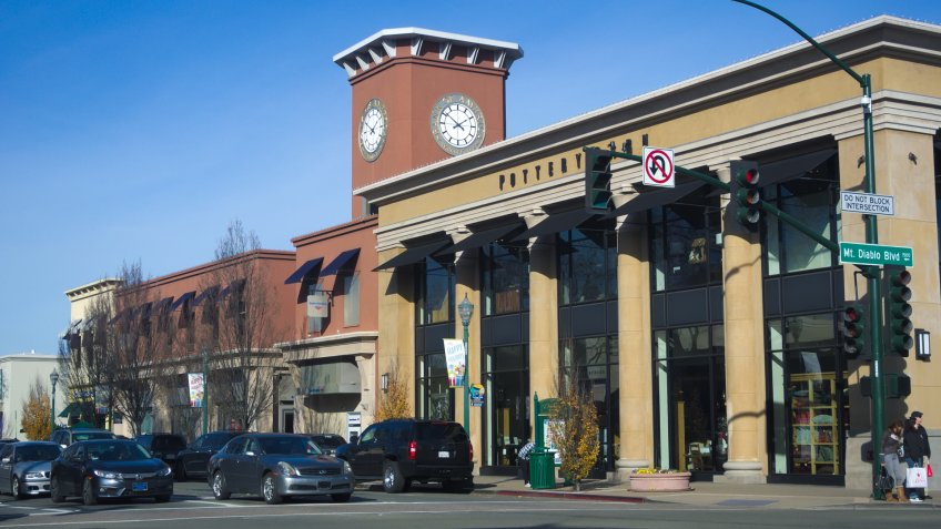 WALNUT CREEK, DECEMBER 19, 2016: Main Street hosts many upscale shops including luxury department stores.