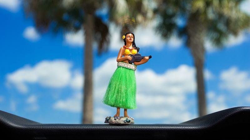 Dashboard hula dancer