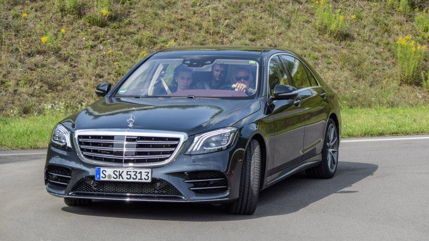 MINSK, BELARUS - AUGUST 27, 2017: Mercedes-Benz S560 4Matic (W222) during a test-drive event.