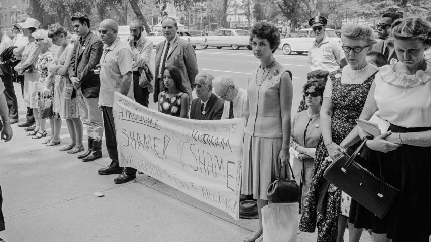 Protesting Vietnam War in front of White House in the 1960s