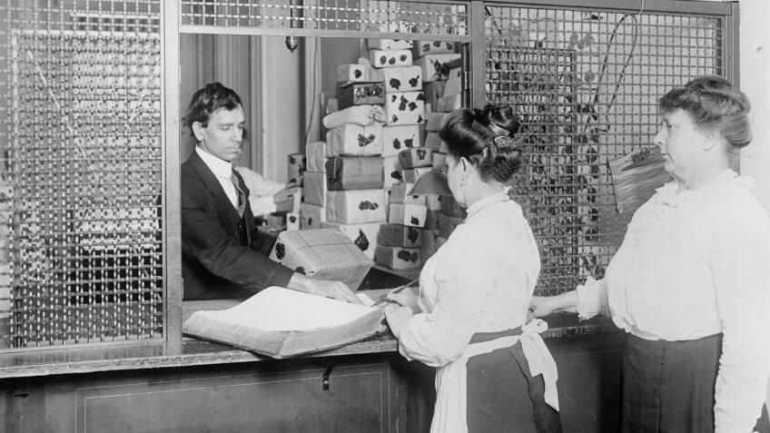 U.S. Treasury Department money redeeming counter in the 1910s