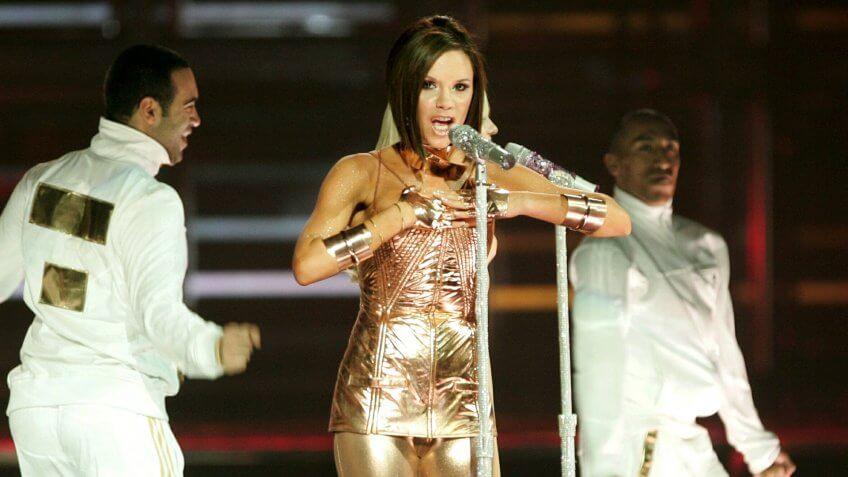 Victoria Beckham musician performing net worth