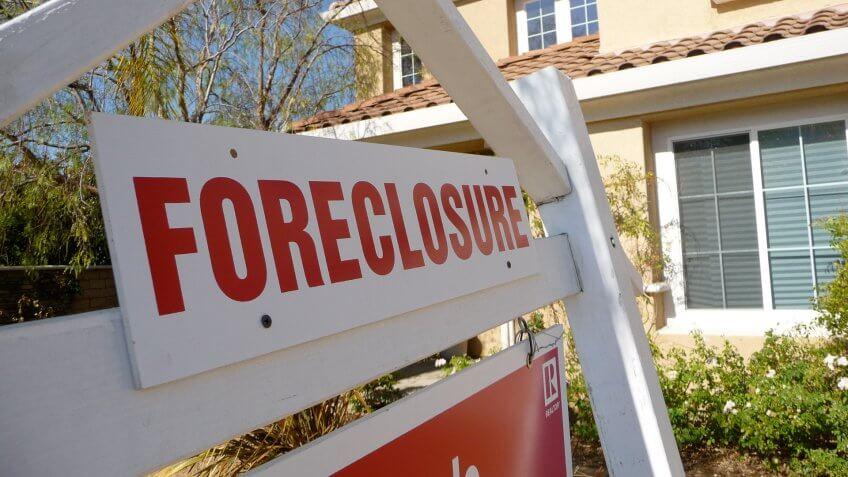 foreclosure housing market